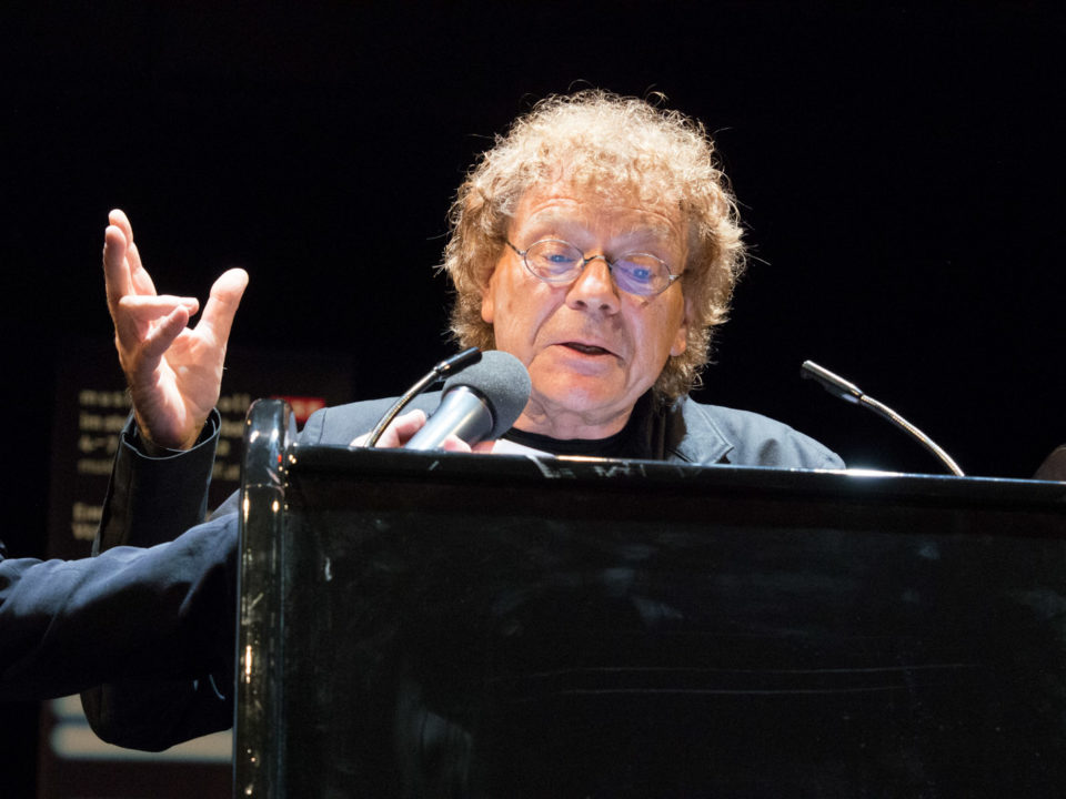 2012: Preis an Patrick Hahn - Laudatio von Wolf Loeckle. Foto: Basche